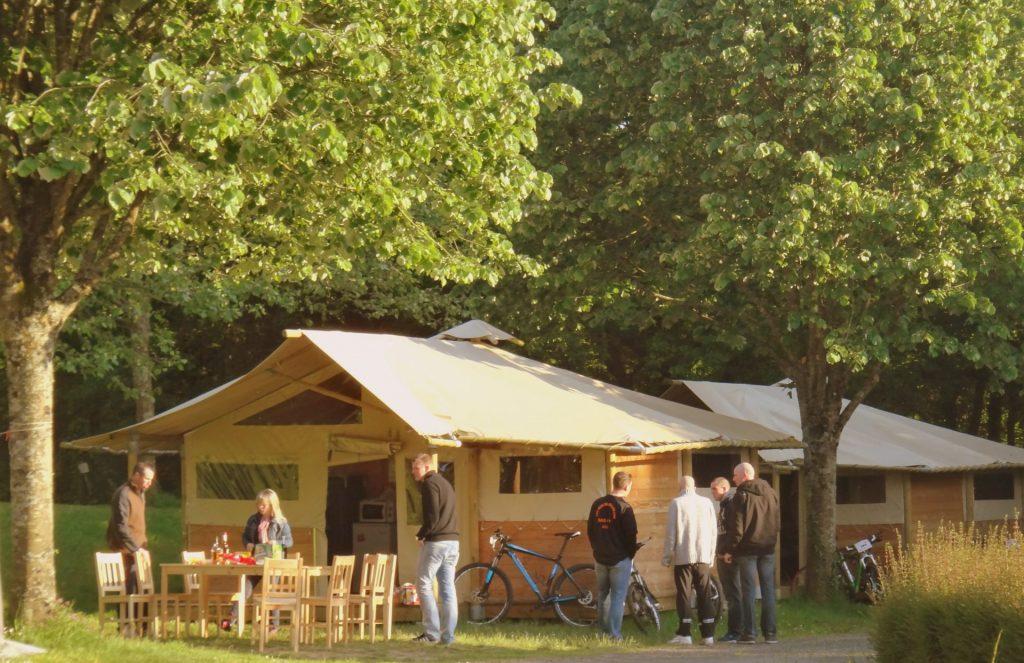 Camping Lac De Savenay : Page Location Authentique Bandeau Intérieur Hébergement 02 (1)