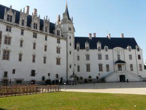 Lac de Savenay Campsite: Chateau Nantes 02