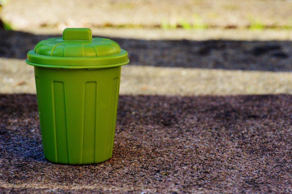 Lac de Savenay Campsite: Garbage Can 1111448 1920
