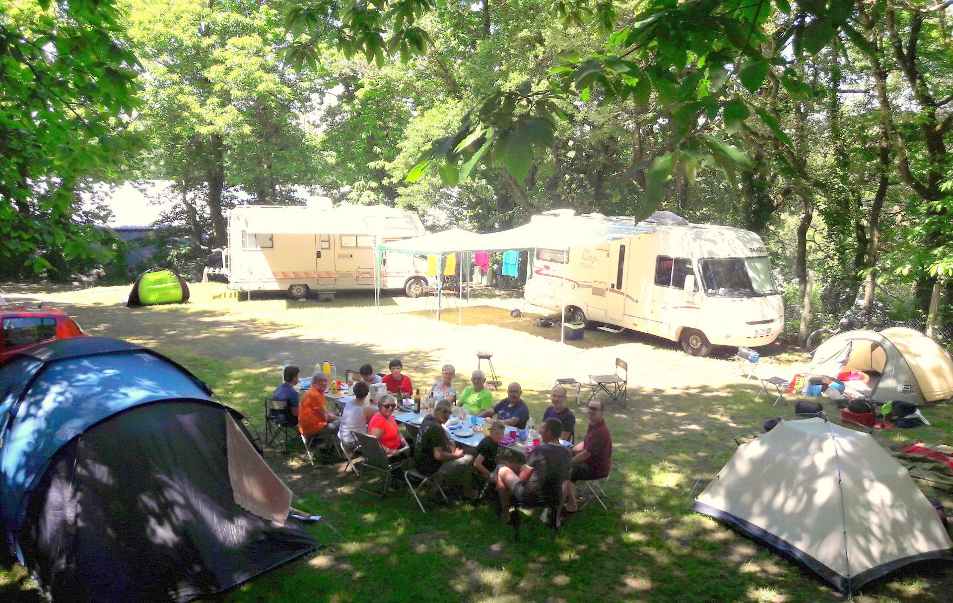 Lac de Savenay Campsite: Page Emplacement Groupe 02 (1)