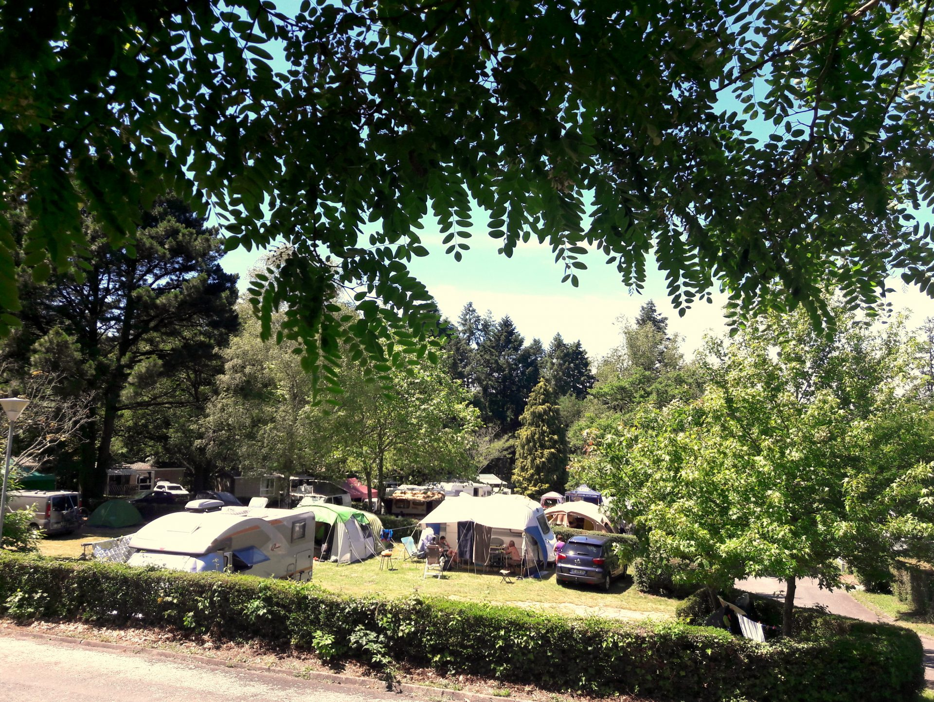 Lac de Savenay Campsite: Page Emplacement Groupe 02 (2)